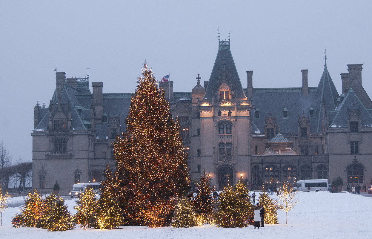 Christmas at the Biltmore {Travel with